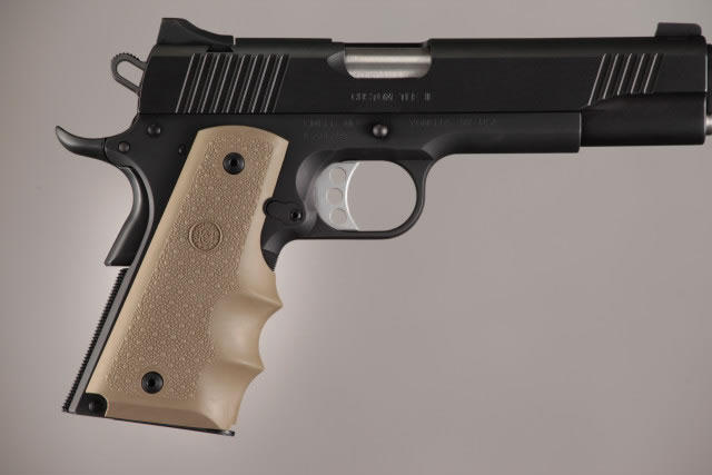 Hogue Molded Handgun Grip 1911 - Government 1911, Commander & Clones w/Finger Grooves - FDE